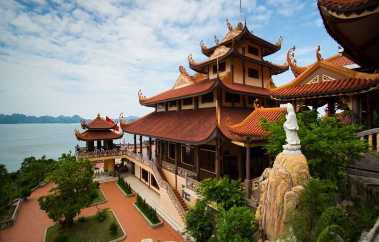 Cai Bau pagoda in Quang Ninh province